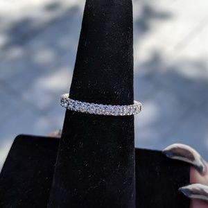 14k White Gold 1/2 cttw diamond band